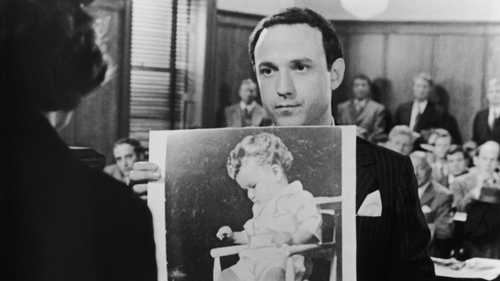 charles lindbergh kidnapping The kidnapping of charles augustus lindbergh, jr, the son of famous aviator charles lindbergh and anne morrow lindbergh, was one of the most highly publicized crimes of the 20th century.